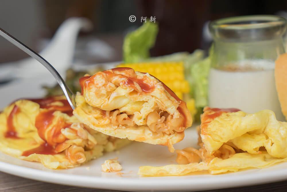 【台中早午餐】曼蒂在家 隱藏旅店內美食,平日限定版早午餐,激推義大利蛋餅,看起來平凡卻讓我驚豔!